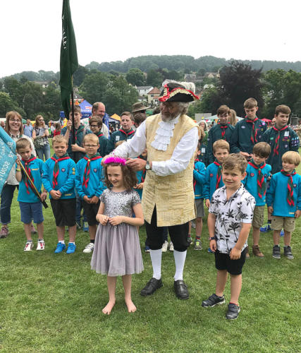 Town crier Alan Vian crowns Fete Prince and Princess Seth Buller and Maisie White