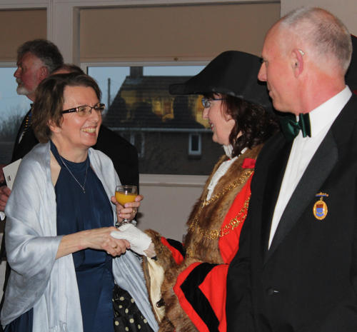 The mayor and Mr Ellis welcome her sister Sarah Horton