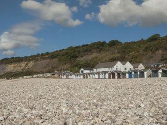 monmouth beach chalet caravan park