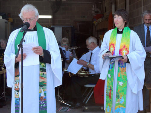 The Reverends Stephen and Jane Skinner led the service
